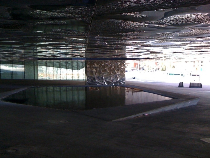Forum-Barcelona-2004-building-outdoors-pond.jpg
