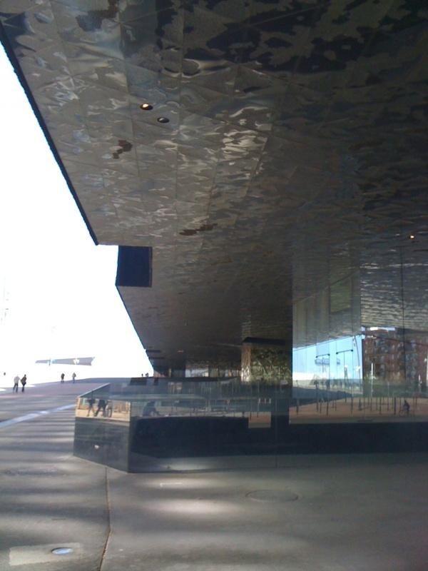 Forum-Barcelona-2004-building-side-view.jpg