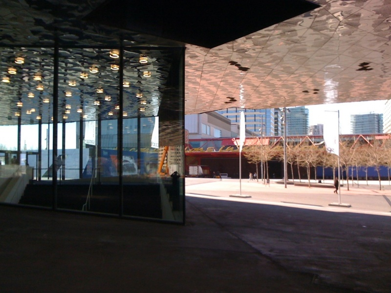 Forum-Barcelona-2004-building-outside-light-contrasts.jpg