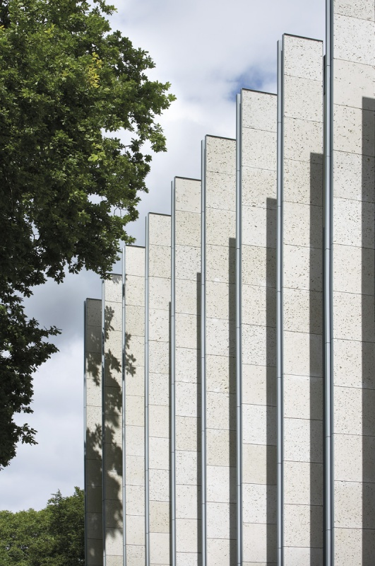 Portland stone-clad columns