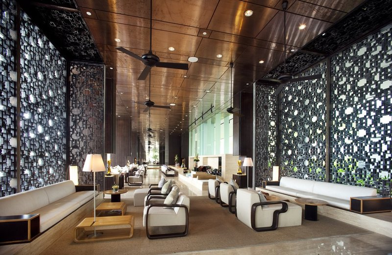 Naturally-ventilated Lobby Lounge