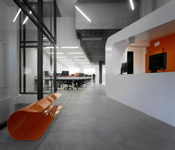&lt;b&gt;Dinahosting Offices&lt;/b&gt; By O Antidoto