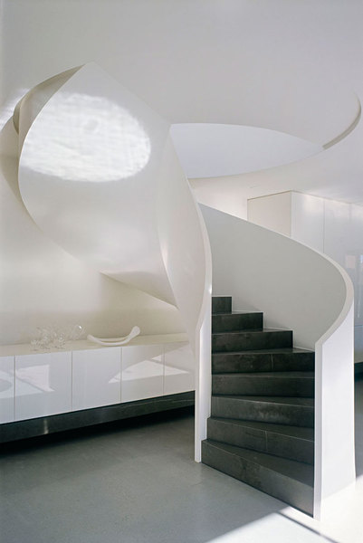 Robert-Mills-Architects-and-Hassell-Interior-Designers-Ross-Street-Residence-yatzer_5.jpg