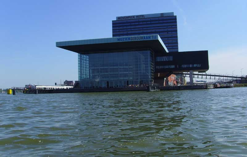 amsterdam_building_am1.jpg