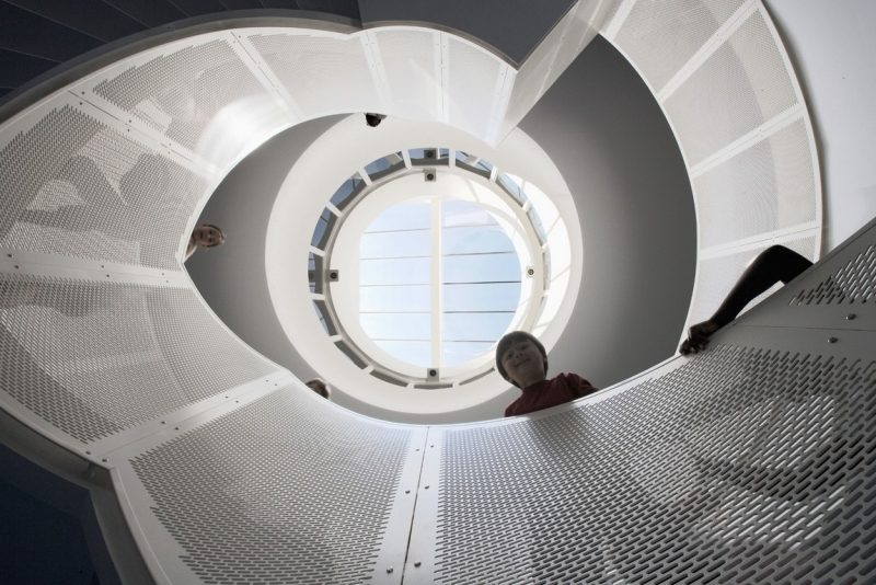 Central spiral staircase and atrium